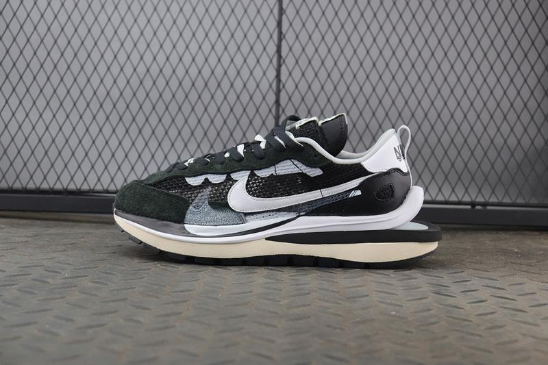 Sacai x VaporWaffle Black White CV1363-001 Released Sale